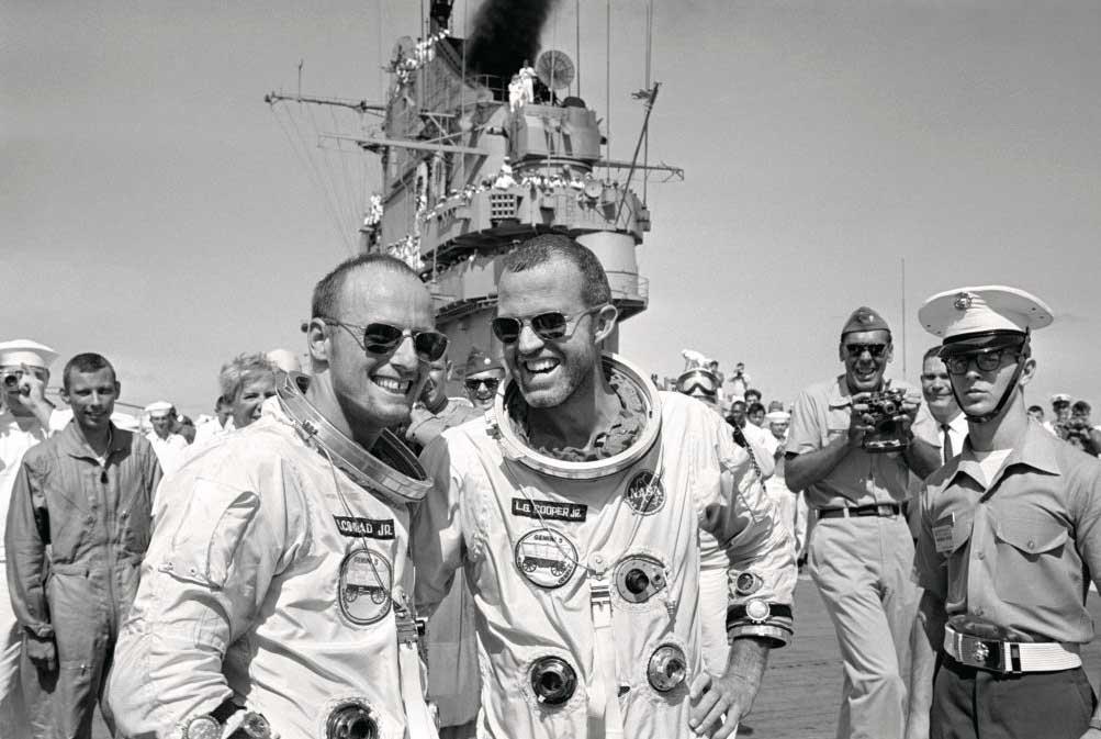 Cooper and Conrad on Deck - عینک خلبانی (AO)