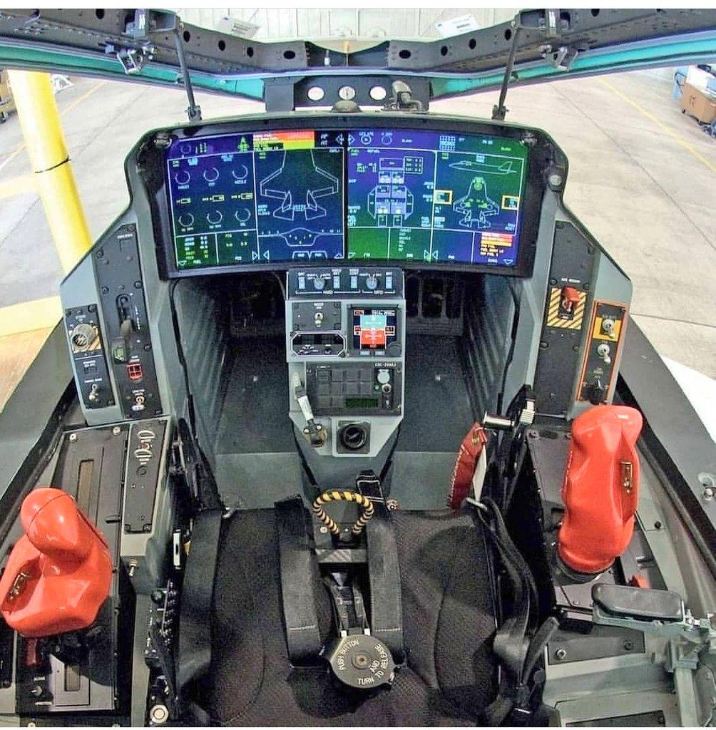 نمایشگر های داخلی جنگنده اف35